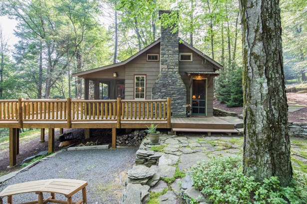 Cabin, Residential - Paupack, PA (photo 2)