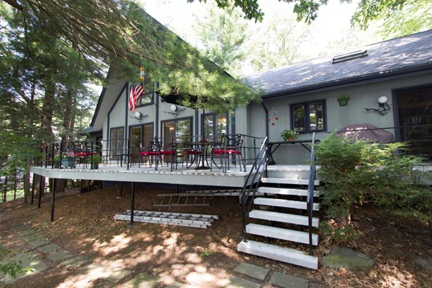 Chalet,Contemporary, Residential - Tafton, PA (photo 1)
