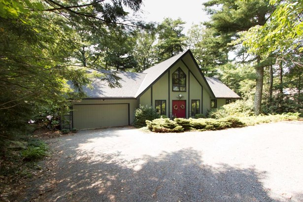Chalet,Contemporary, Residential - Tafton, PA (photo 2)