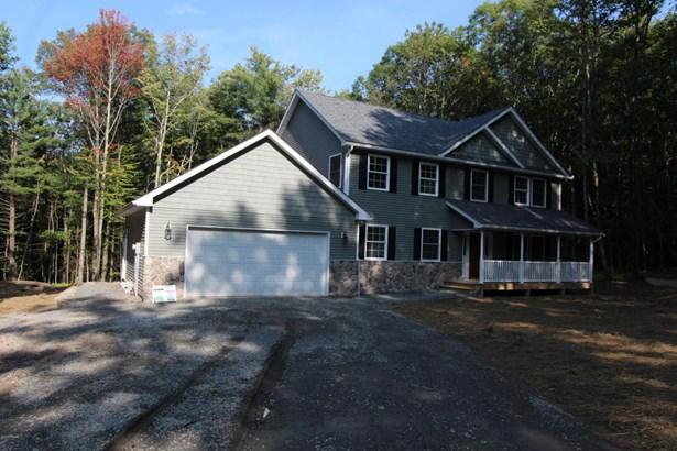 Colonial, New Construction - Hawley, PA (photo 1)