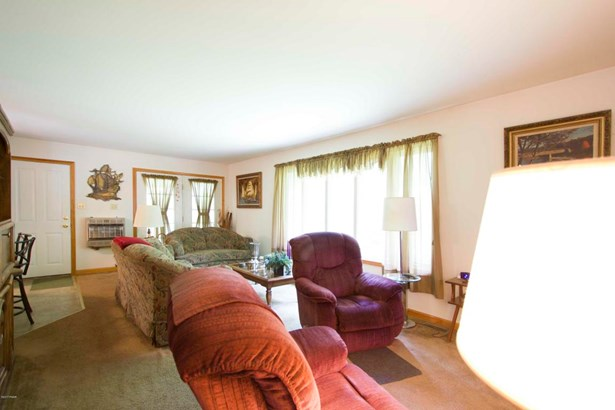 Residential, Ranch - Tafton, PA (photo 2)