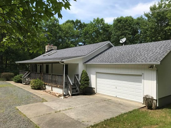 Residential, Ranch - Dingmans Ferry, PA (photo 1)