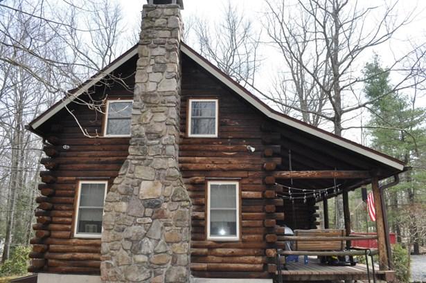 Detached, Log Home - Tafton, PA (photo 2)