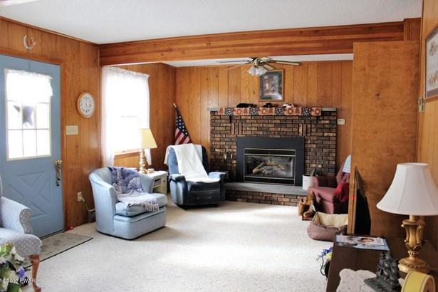 Dutch Colonial, Detached - Lakeville, PA (photo 4)