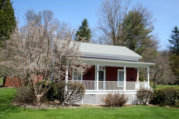 Cape Cod, Residential - Honesdale, PA (photo 4)