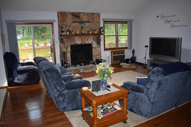 Ranch, Detached - Lords Valley, PA (photo 4)
