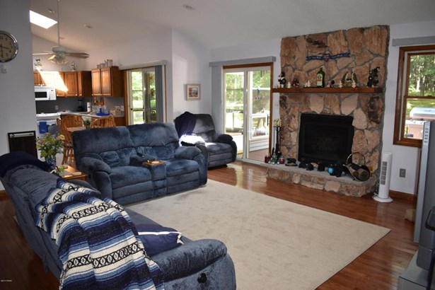 Ranch, Detached - Lords Valley, PA (photo 5)