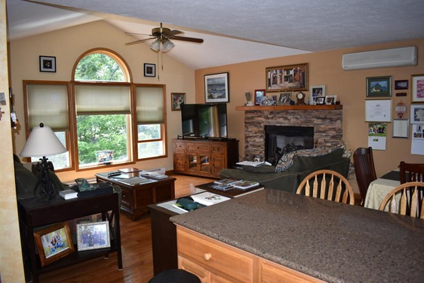 Raised Ranch, Detached - Lords Valley, PA (photo 4)