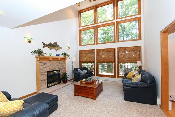 Residential, Contemporary - Lakeville, PA (photo 2)