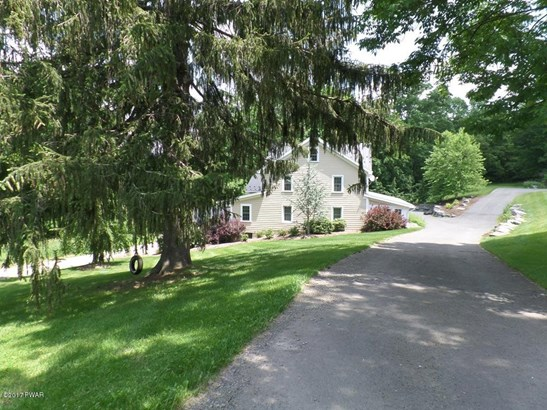 Residential, Farm House,Traditional - Lakeville, PA (photo 3)