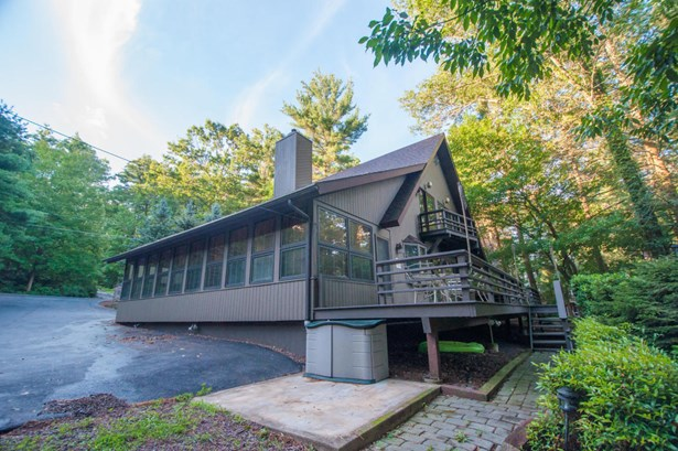 Chalet, Detached - Tafton, PA