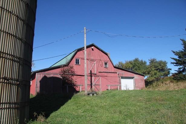 Split Level, Detached - Pleasant Mount, PA (photo 3)