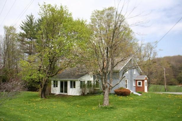 Farm House, Detached - Waymart, PA (photo 2)