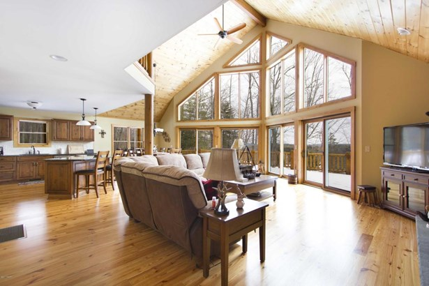 Chalet, Detached - Hawley, PA (photo 5)