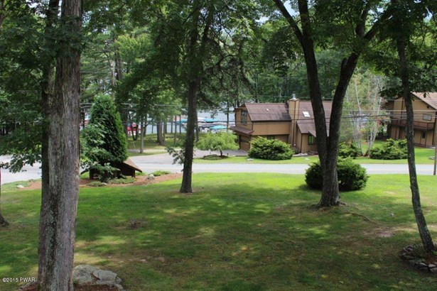 Townhouse, Contemporary - Lakeville, PA (photo 4)