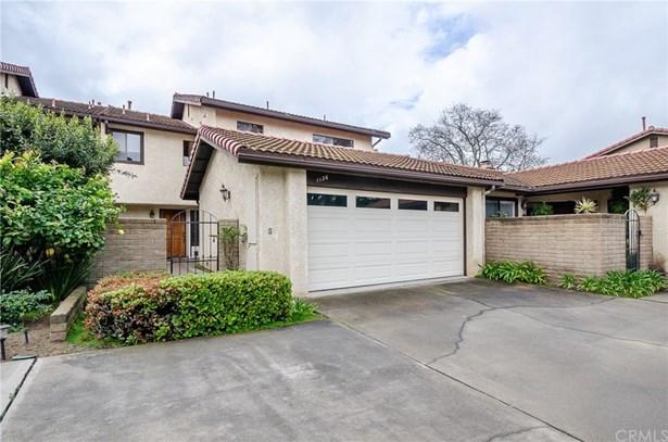Condominium - Santa Maria, CA