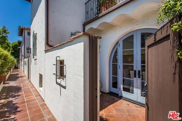 Condominium, Spanish - Santa Monica, CA (photo 2)