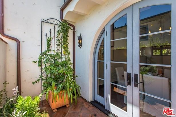 Condominium, Spanish - Santa Monica, CA (photo 3)