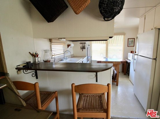 Mobile Home - Pacific Palisades, CA (photo 4)