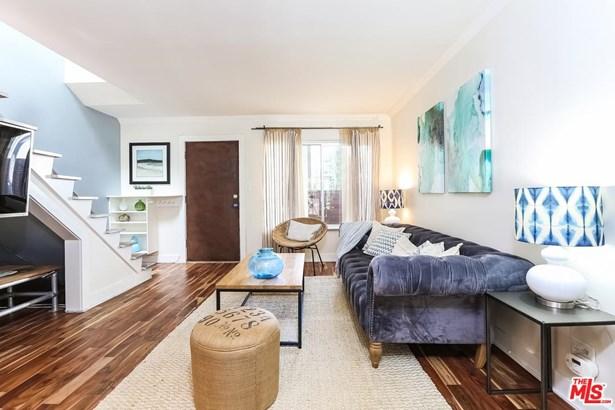Condominium, Traditional - Santa Monica, CA (photo 2)