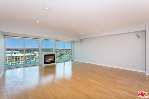 Condominium, High or Mid-Rise Condo - Marina Del Rey, CA (photo 4)