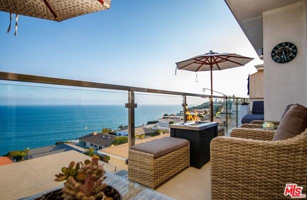 Condominium, Contemporary - Malibu, CA (photo 3)
