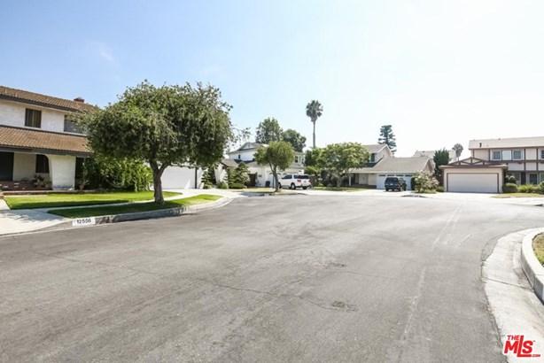 Traditional, Single Family - Los Angeles (City), CA (photo 3)