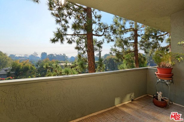 Condominium, Traditional - Pacific Palisades, CA (photo 5)