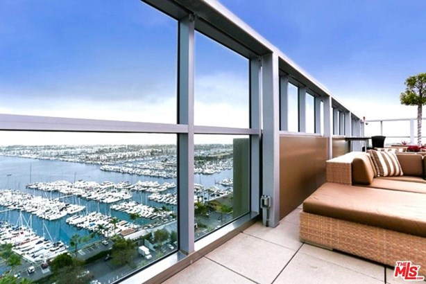 Condominium, High or Mid-Rise Condo - Marina Del Rey, CA (photo 3)