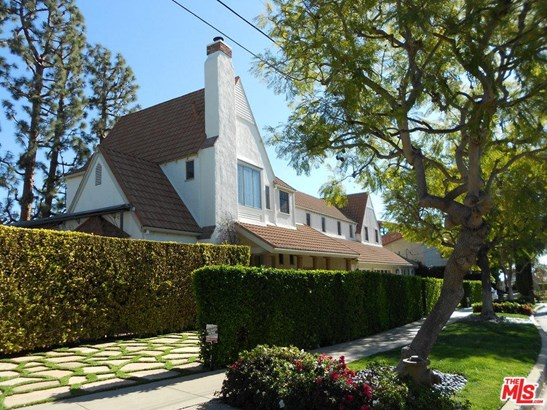 French Country, Single Family - Pacific Palisades, CA (photo 2)