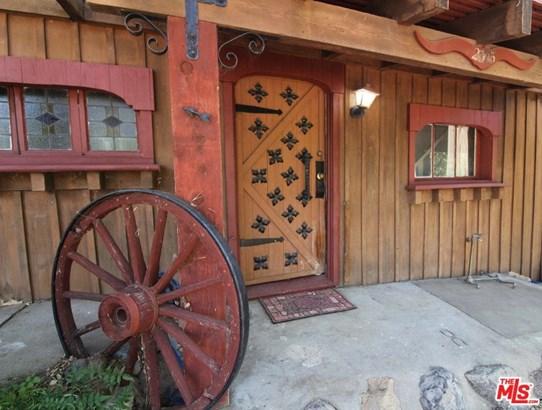 Rustic, Single Family - Agoura Hills, CA (photo 2)