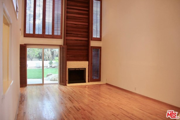 Traditional, Single Family - Pacific Palisades, CA (photo 2)