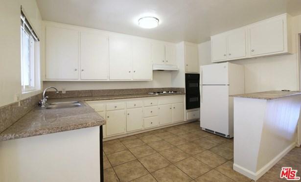 Condominium, Traditional - Encino, CA (photo 5)