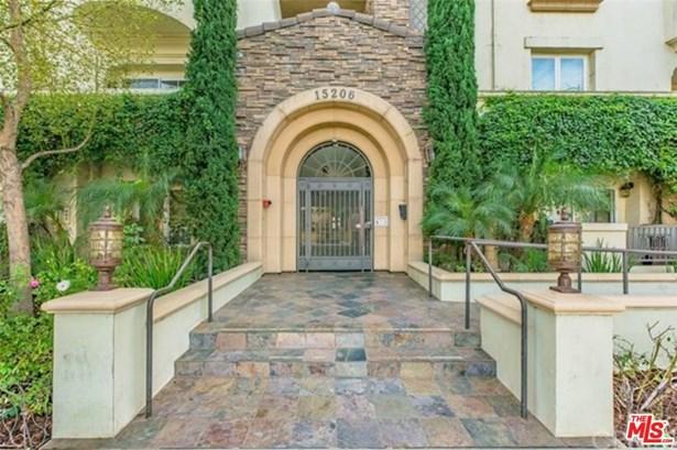 Mediterranean, Condominium - Sherman Oaks, CA (photo 5)