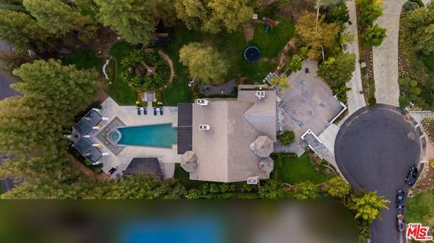 Tudor, Single Family - Agoura Hills, CA (photo 4)