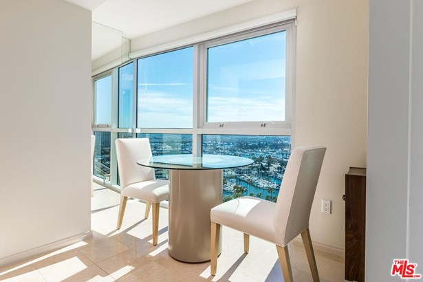 High or Mid-Rise Condo,Contemporary, Condominium - Marina Del Rey, CA (photo 5)