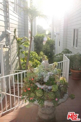Townhouse, Cape Cod - Pacific Palisades, CA (photo 2)