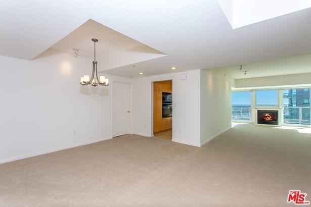 Condominium, High or Mid-Rise Condo,Architectural - Marina Del Rey, CA (photo 4)