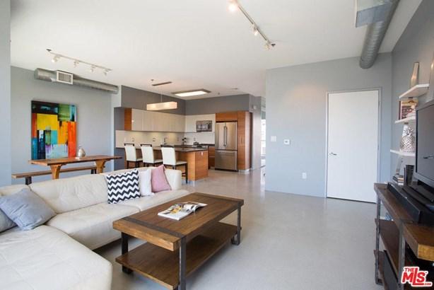 Architectural, Condominium - Los Angeles (City), CA (photo 3)