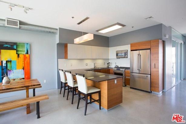Architectural, Condominium - Los Angeles (City), CA (photo 4)