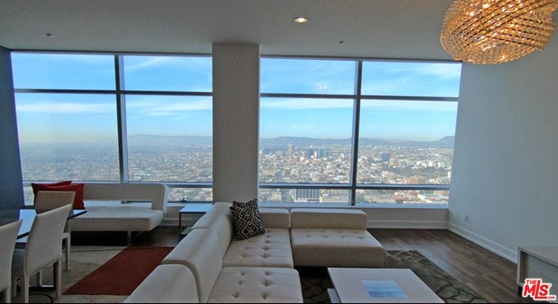 Condominium, Contemporary - Los Angeles (City), CA (photo 4)