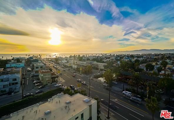 Condominium, Contemporary,High or Mid-Rise Condo - Marina Del Rey, CA (photo 2)