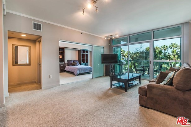 Condominium, High or Mid-Rise Condo - Marina Del Rey, CA (photo 5)