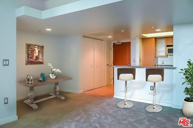 High or Mid-Rise Condo,Contemporary, Condominium - Marina Del Rey, CA (photo 2)