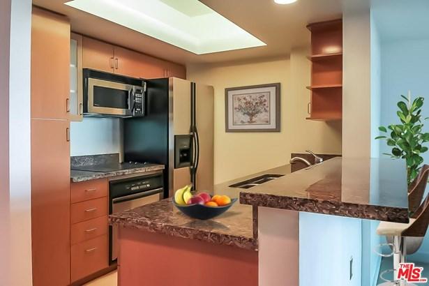 High or Mid-Rise Condo,Contemporary, Condominium - Marina Del Rey, CA (photo 4)