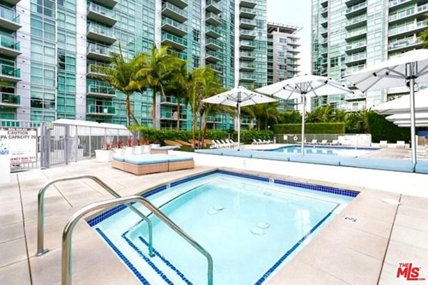 Condominium, High or Mid-Rise Condo,Architectural - Marina Del Rey, CA (photo 3)