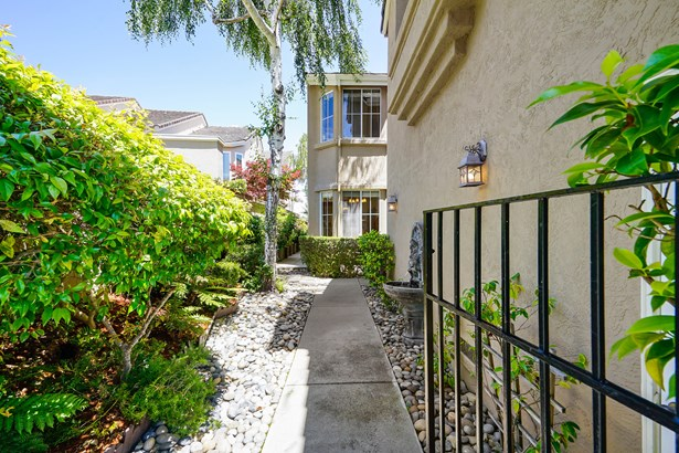 1256 Canyon Side Avenue, San Ramon, CA - USA (photo 2)