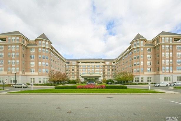 Residential, Condo - Port Washington, NY