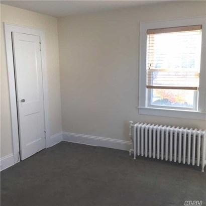Rental Home, Apt In House - Port Washington, NY (photo 3)