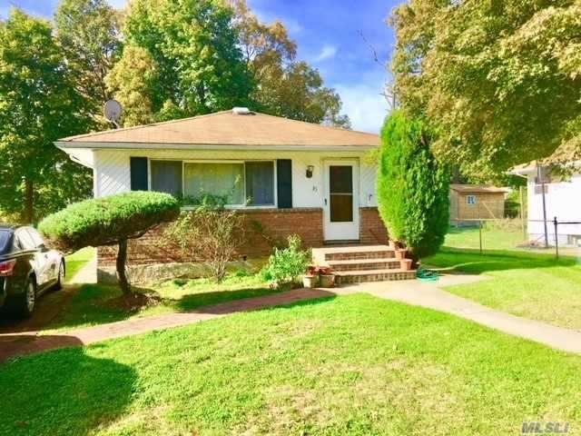 Residential, Ranch - Roosevelt, NY